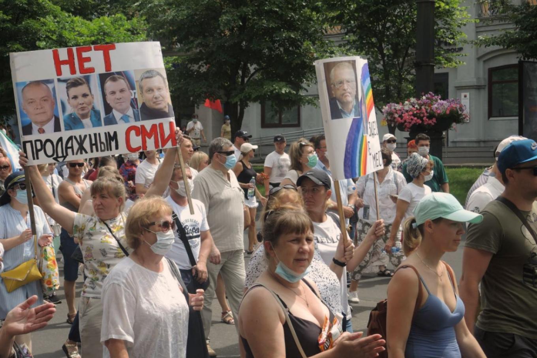 Российская политика стала виртуальной и состоит из видимостей и манипуляций